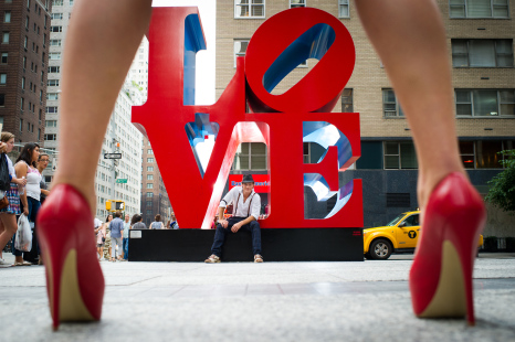 LOVE NY statue on 6th Avenue